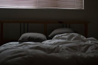 la-crisis-de-los-cuarenta-cama