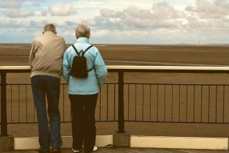 la-crisis-de-los-40-pareja-adultos